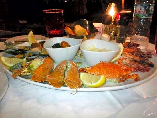 Amari Vogue Krabi: Seafood Platter at Bellini Italian Restaurant-Gorgeous!