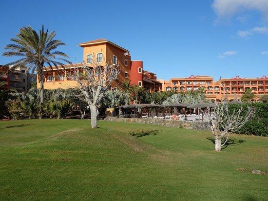 Sheraton Fuerteventura Beach, Golf & Spa Resort: widok na hotel