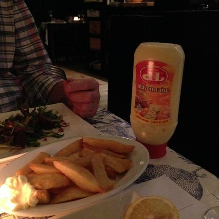 Il y a : friet met mayonaise