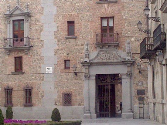 Plaza de la Villa: Casa Cisneros