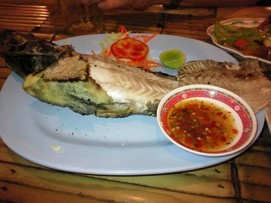 Dean's Restaurant: Grilled whitefish with Thai-spicy sauce