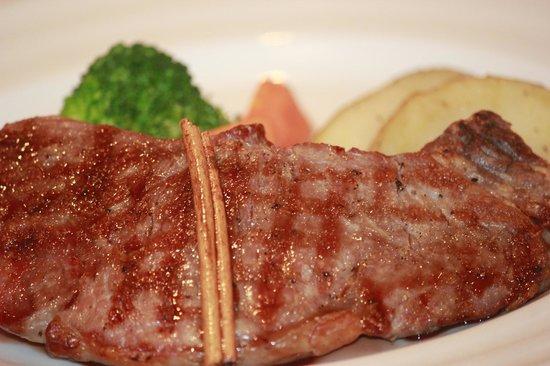 Kosher & Luxus Red Heifer