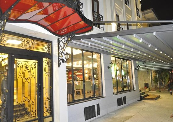 Shah Inn Hotel: hotel entrance