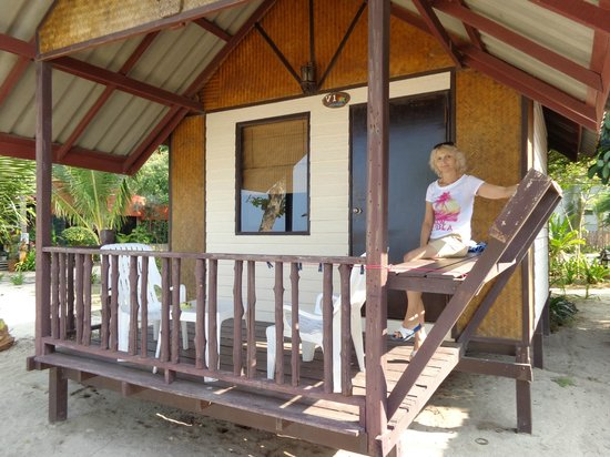 White Sand Beach Resort : Наше маленькое уютное бунгало
