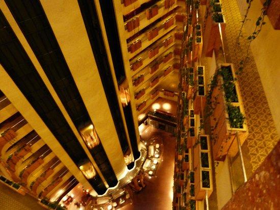 Krystal Grand Reforma Uno Mexico City: Vista sull'interno dall 11° piano