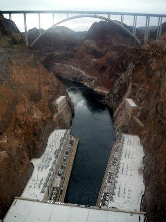 Hoover Dam Bypass: Bridge from dam