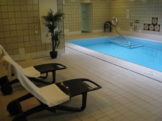 Hotel de Famille: Enjoy our swimming pool