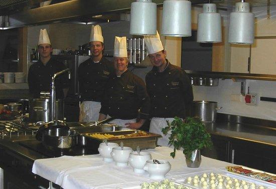 Hotel Tratterhof: Die Crew der guten Küche