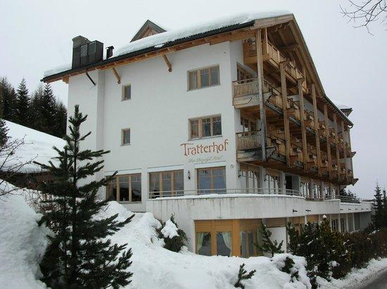 Hotel Tratterhof: Das Haus aus Richtung Altfasstal