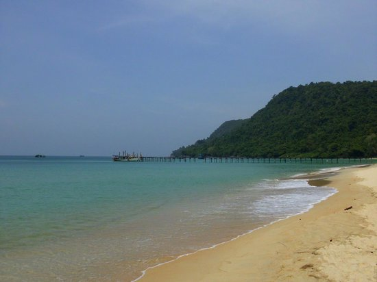 The Dive Shop Cambodia : Pier und Strand Koh Rong Samleom