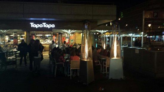 Tapa Tapa : Precioso también de Noche con un buen ambiente.