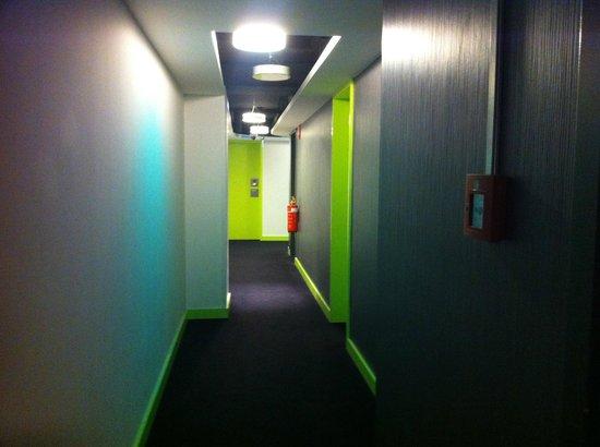 Hotel Gat Point Charlie: Pasillos de la 4ª planta