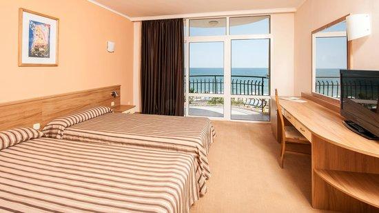 Grifid Encanto Beach Hotel: Room