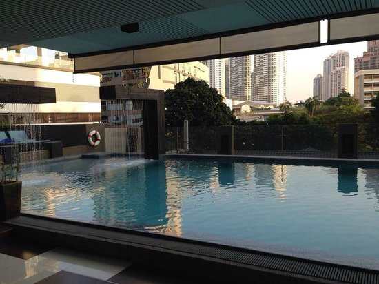 Golden Tulip Mandison Suites : Swimmingpool
