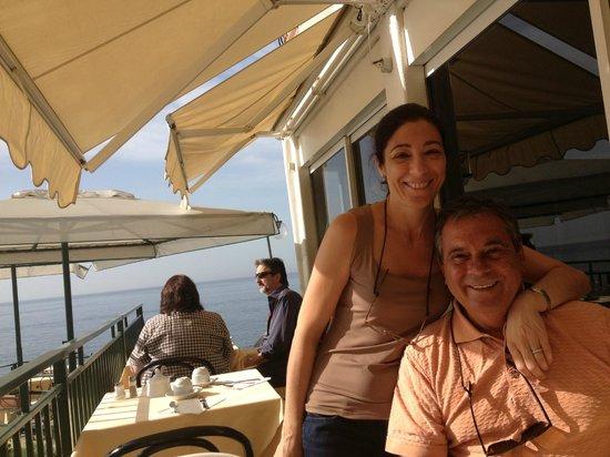 Hotel Onda Verde : Having Breakfast