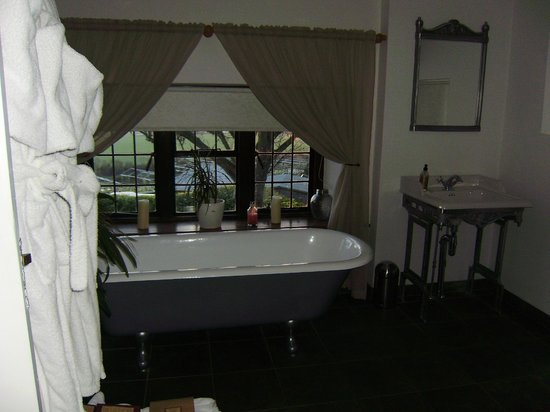 Giraffe Lodge : one of the bathrooms