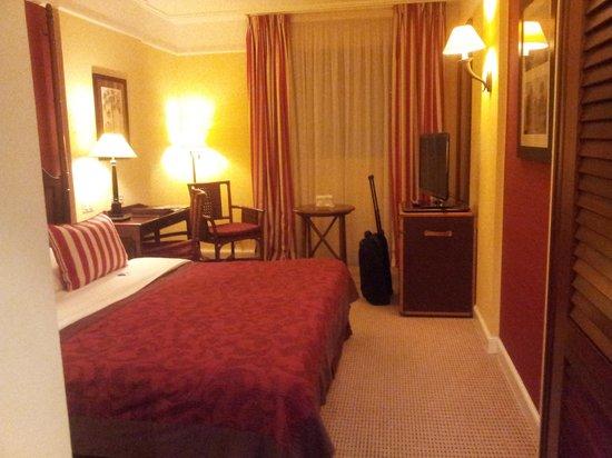 Hotel Kipling - Manotel Geneva: BEDROOM