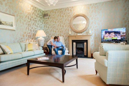 Alexander Residence: Ericht Living Room