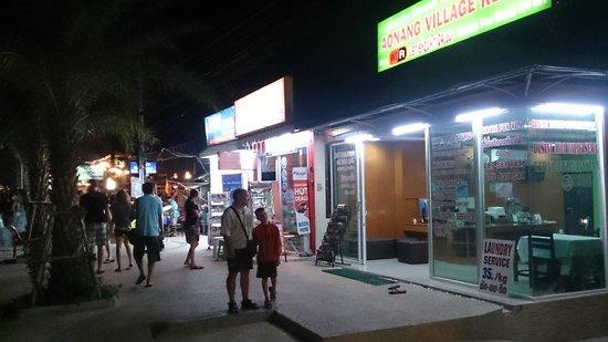 Ao Nang Village Resort: Вид с улицы 2.