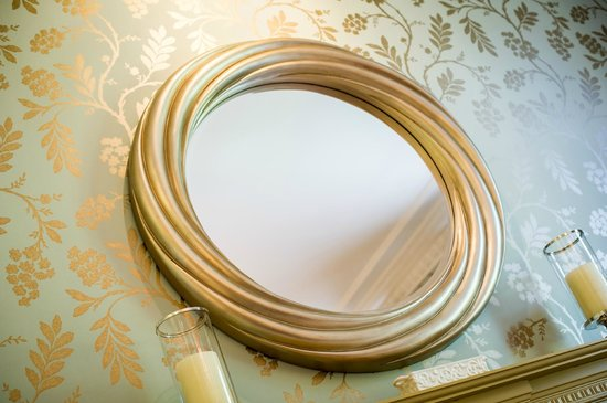 Alexander Residence : Mirror