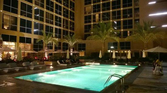 Centro Yas Island Abu Dhabi by Rotana: pool