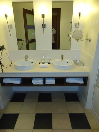 Radisson Blu Hotel at Disneyland Paris : salle de bain
