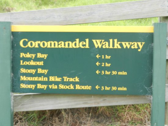 Coromandel Discovery Day Tours: Signage brilliant, no fear of getting lost walking in NZ.