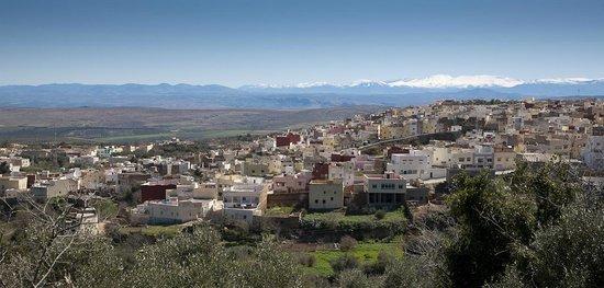 Région de Fès-Boulemane, Maroc : 15000 people are living in Bhalil Village