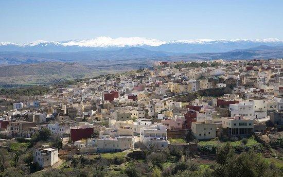 Région de Fès-Boulemane, Maroc : Bhalil Village, 24 km south of Fez + Bouiblane's mountain Snow