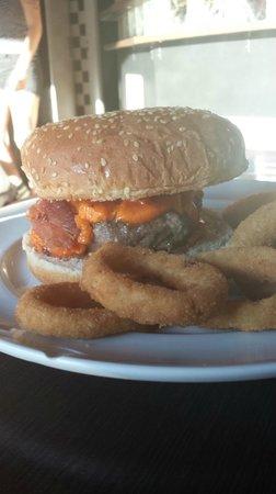 Photo of American Restaurant Rock'a Burger Hamburgueria at Rua Trajano Reis 310, Curitiba 80510-220, Brazil