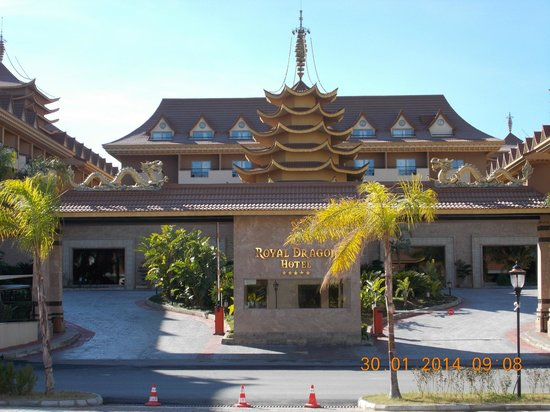 Royal Dragon Hotel: first impressions WOW