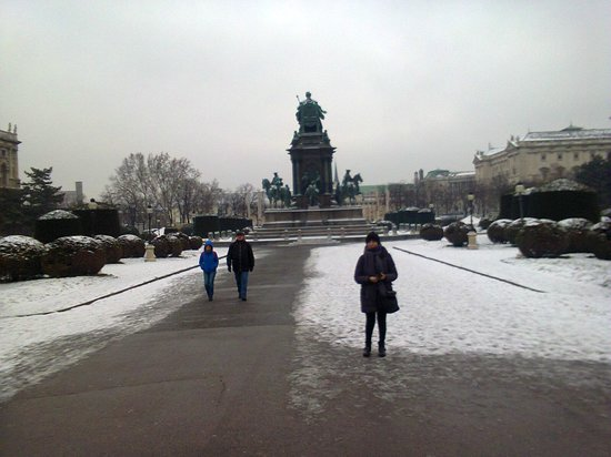 Kunsthistorisches Museum: davanti ai musei