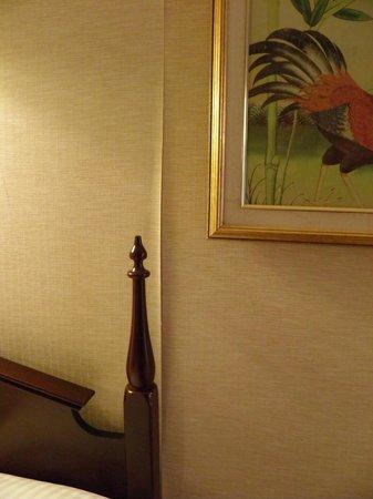 Avalon Hotel : papel