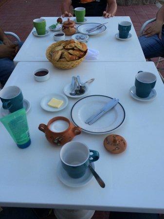El desayuno, simple pero impecable.