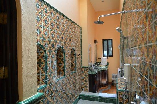 Antigua Capilla Bed and Breakfast: Marta Ortiz