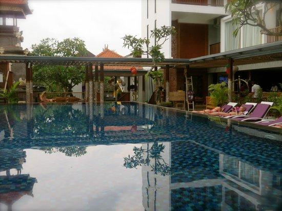 Hotel Horison Seminyak : Pool
