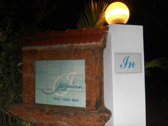 Jasminn by Mango Hotels : Entrance
