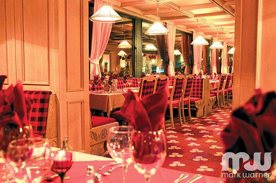 Chalet Hotel Schweizerhof Dining