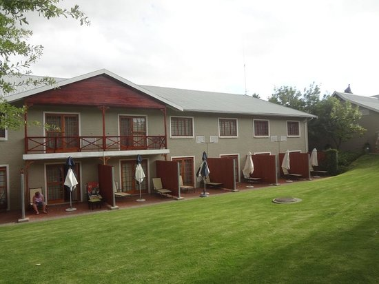 Caledon Hotel, Spa, Casino: FRONT VIEW OF ROOMS