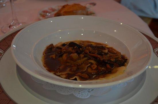 Restaurant Pierre Orsi: ravioles Grand Spécialité