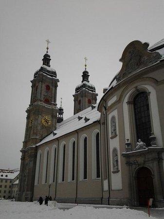 Fürstabtei St. Gallen: Exterior num dia de neve