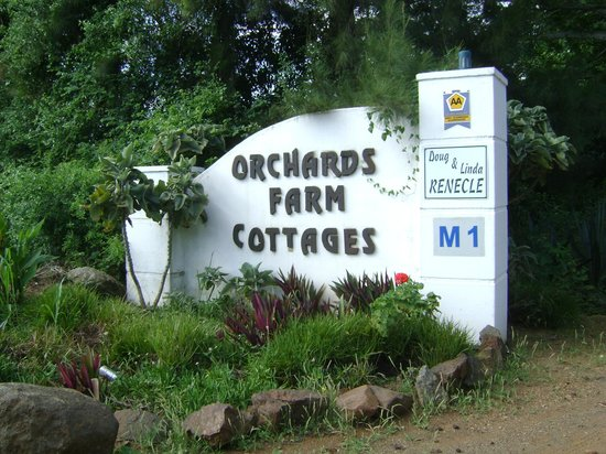 Orchards Farm Cottages : Entrance at the N4