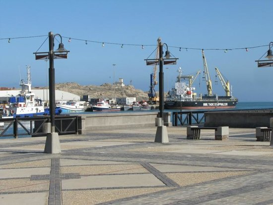 Backpackers Lodge: The Luderitz harbor