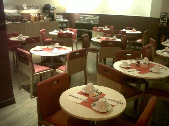 Best Western Hotel De France : Breakfast room