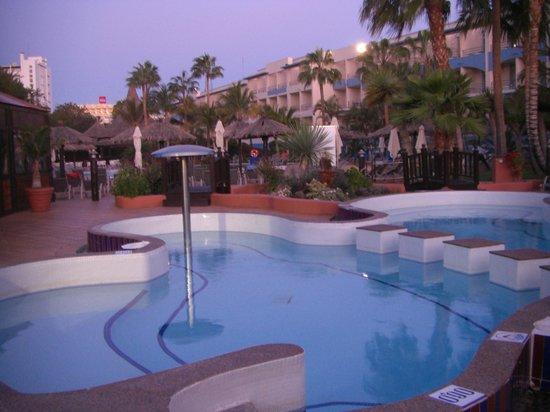 IFA Altamarena Hotel : Beheizter Pool