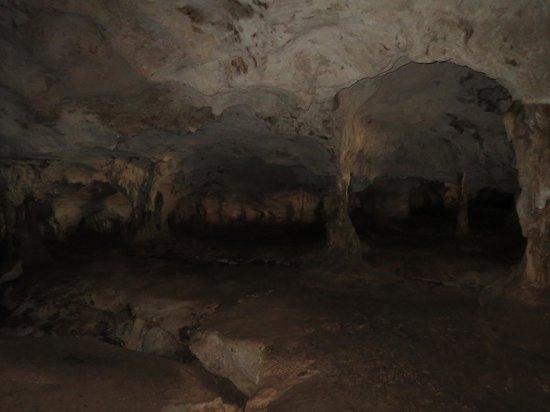 Blue Horizon Resort : Caves
