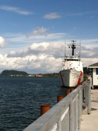 Columbia River Maritime Museum: Beautifully located!