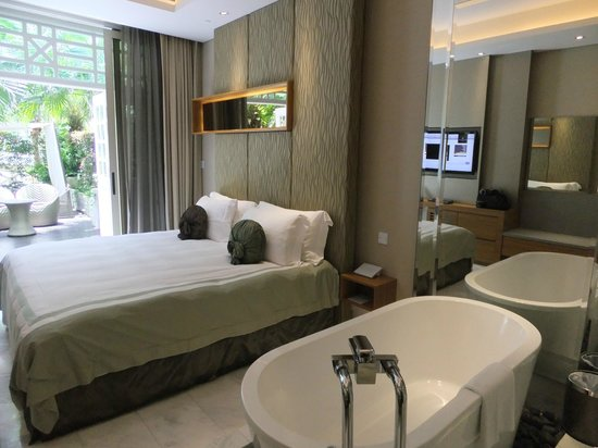 Hotel Fort Canning: Room with patio