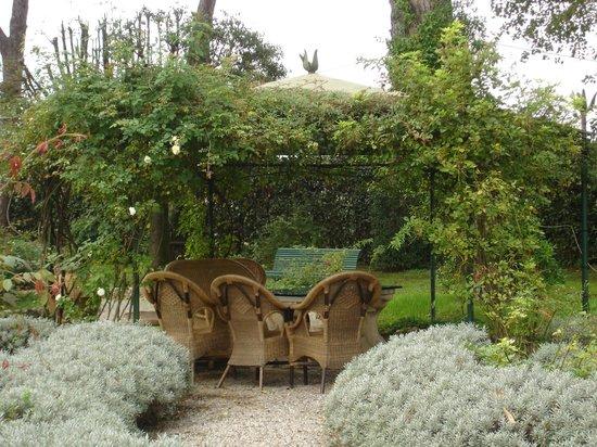 Osteria Montellori: Outdoor Seating