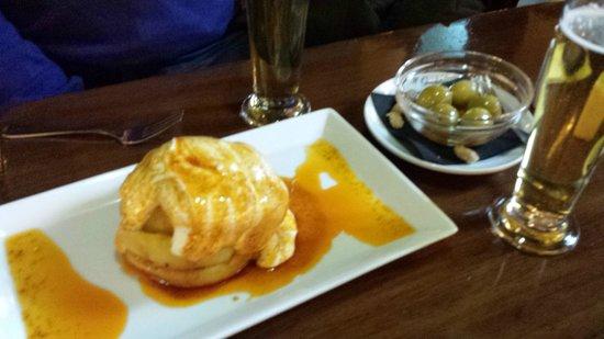 Restaurante Salambo : Olivas aliñadas y patatas bravas, buenísimas!